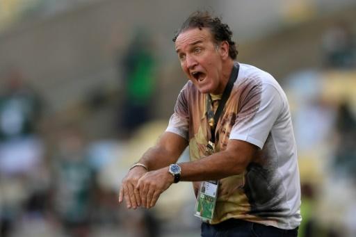 Cuca firma con Atlético Mineiro en medio de críticas por escándalo sexual