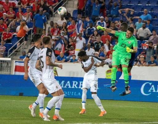 Haití derrota a Costa Rica 2-1 y gana Grupo B de Copa Oro