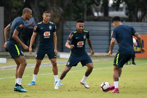 Neymar y Brasil se cruzan con Nigeria para terminar con la sequía