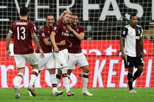 Juventus naufraga ante el AC Milan y deja sin sentenciar el 'Scudetto'